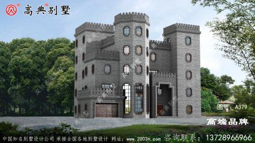 灰色外墙和平屋顶给整个房子带来宫殿